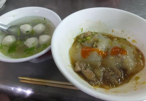 大椀40元(4粒入り)、スープ20元