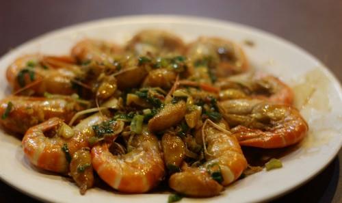 活蝦ジャンルからは、「香蒜蝦」。揚げたニンニクたっぷり!ミソまで美味しかったです!