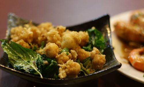 炸物(揚げ物)から「鹽酥龍珠」。タコのから揚げ