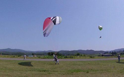 モーターパラやグライダー、スカイダイビングなどスカイスポーツが集合!