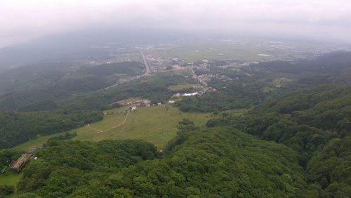 飛んだらこんな感じ。ランディングは左側です。晴れていれば、函館市内が一望できます。